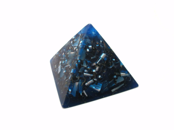 Orgonska piramida mala (7.5 cm)
