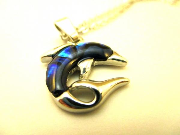 Ogrlica od sedefa – delfin i srce