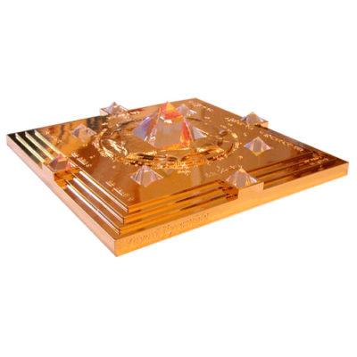 pyramid-gold-500