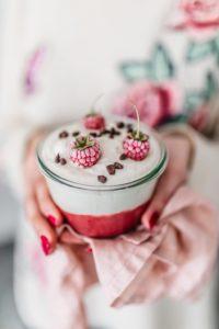 Jogurt od ind.orascica sa kremom od malinaIMG 0559 1024x1536 1